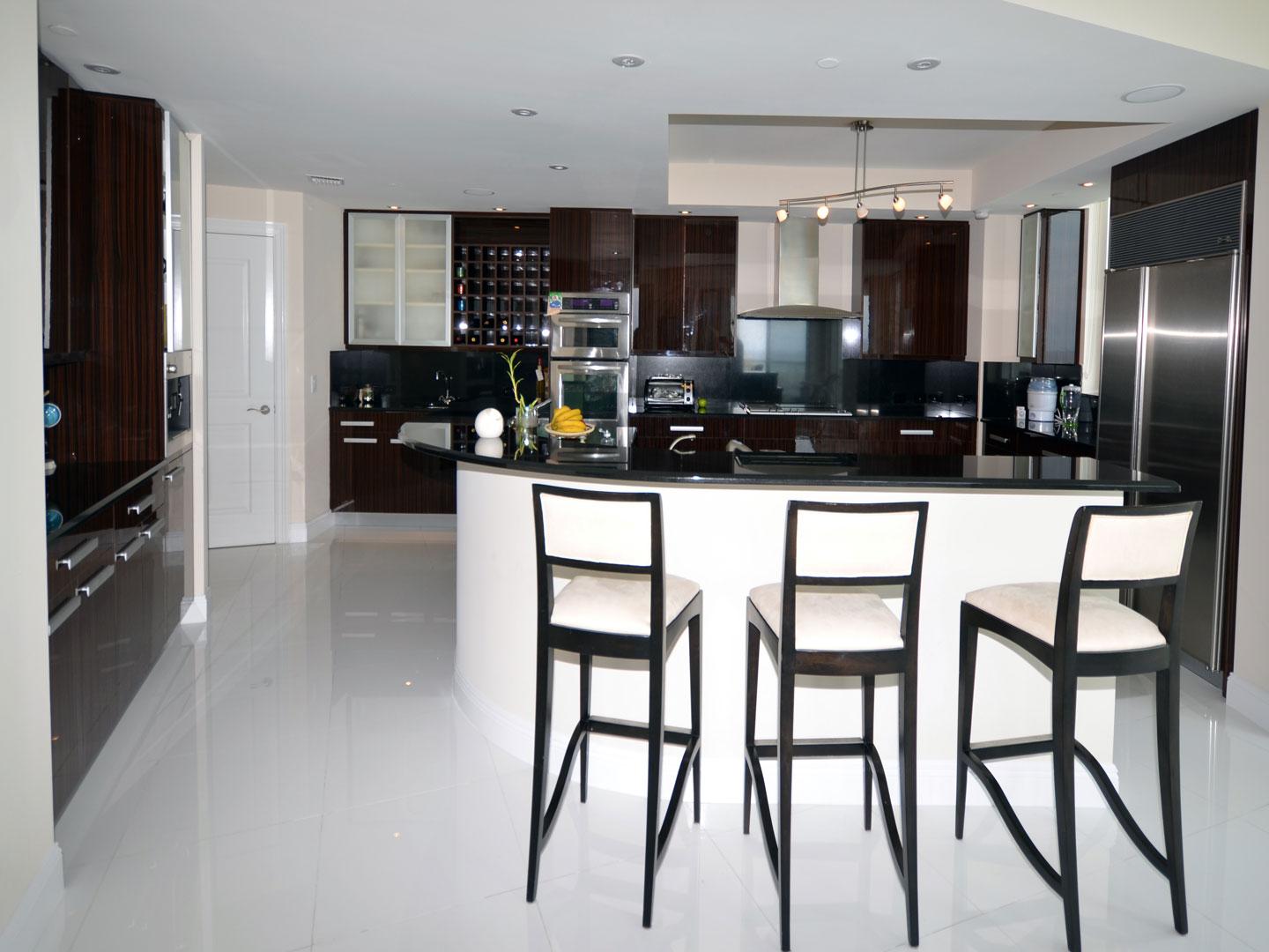 Modern Kitchen 13