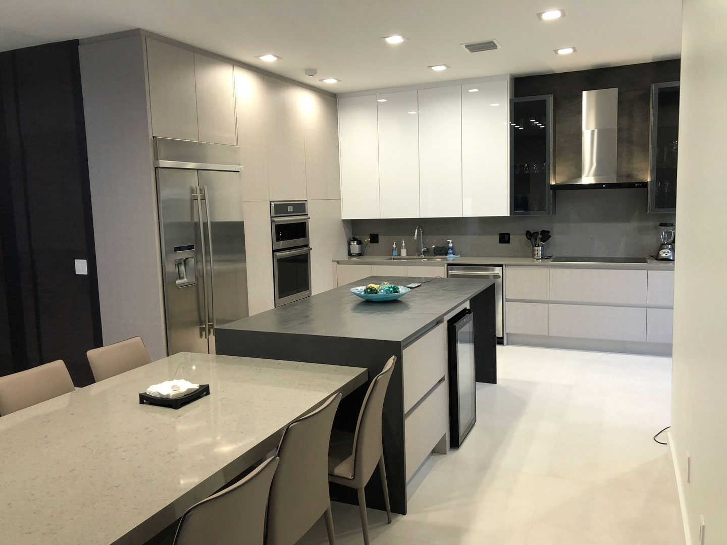 Modern Kitchen 18