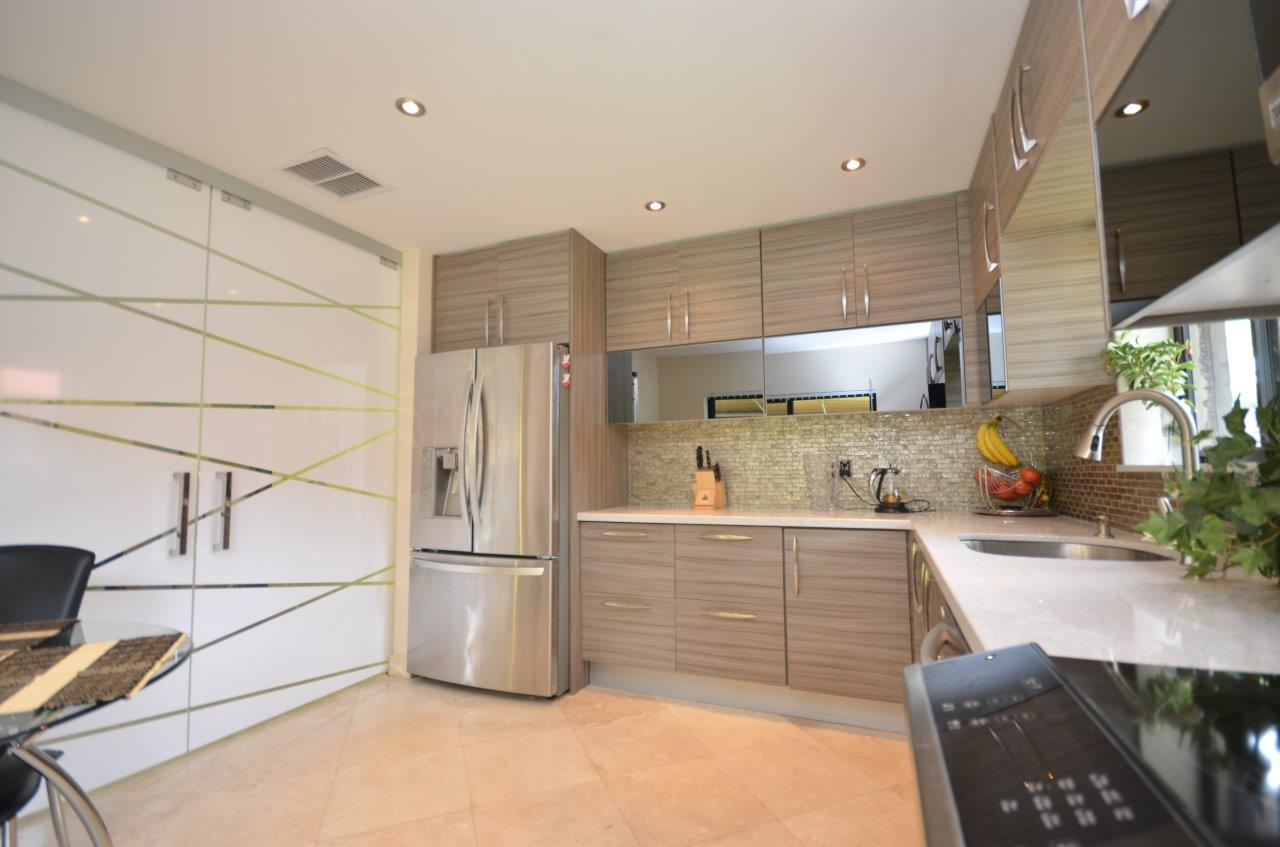 Modern Kitchen 40