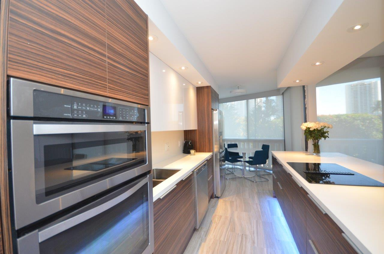 Modern Kitchen 48