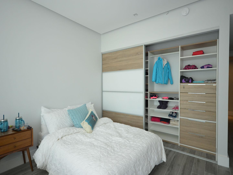 Custom Closets 08