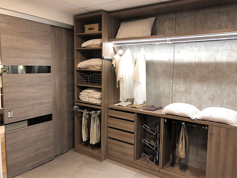 Custom Closets 22