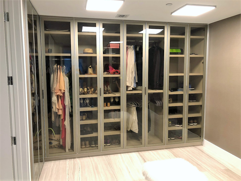 Custom Closets 26