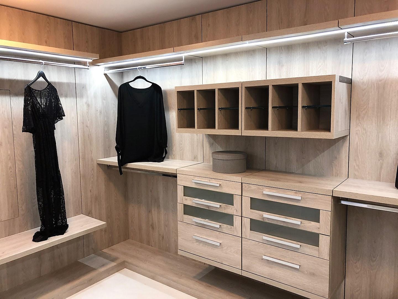 Custom Closets 31