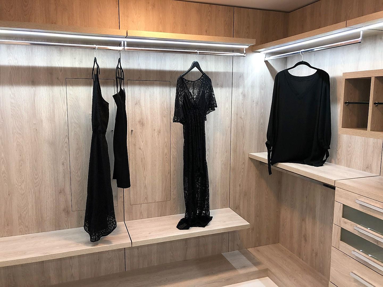 Custom Closets 32