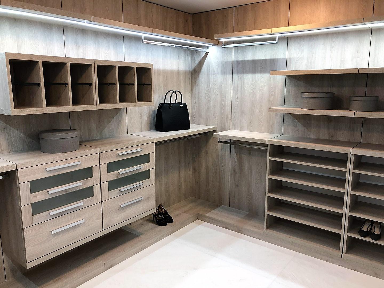 Custom Closets 33