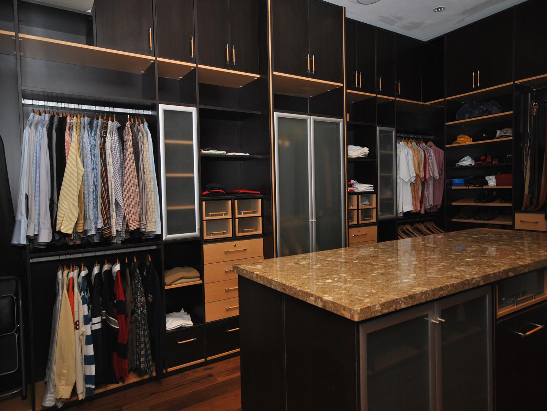 Custom Closets 57