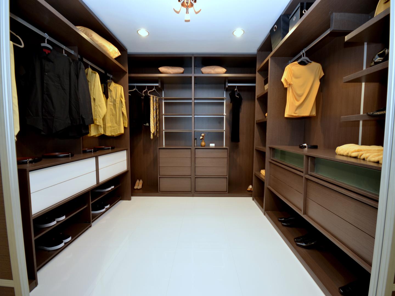 Custom Closets 58