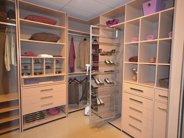 Custom Closets 63