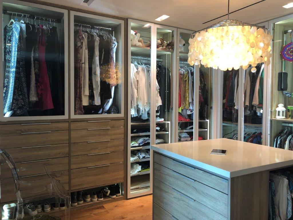 Custom Closets 65