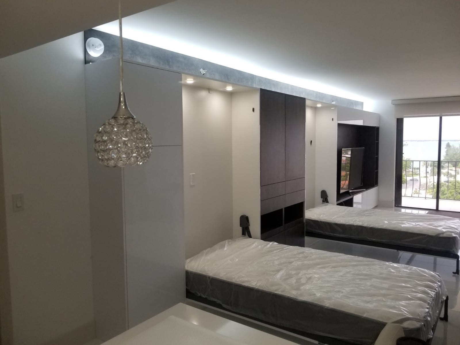 Wall Bed 02