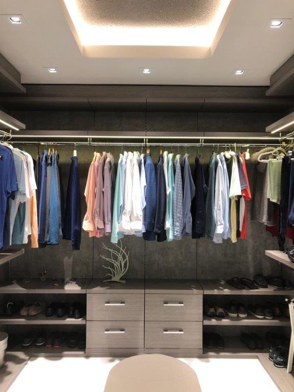 Custom Closets 69