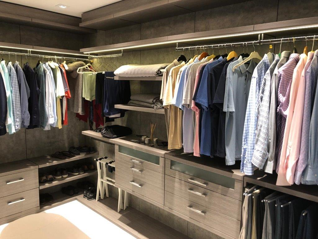 Custom Closets 70