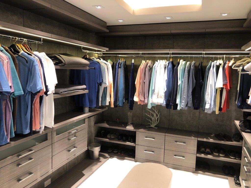 Custom Closets 71